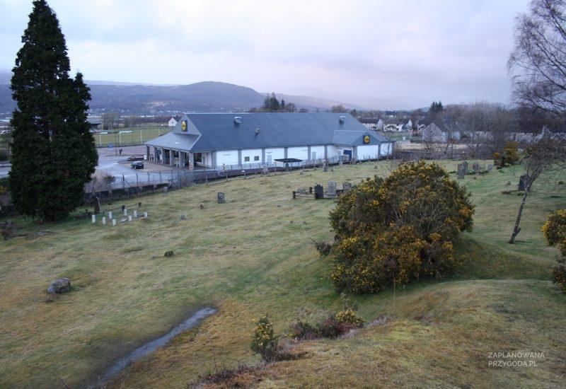 Cmentarz i Lidl