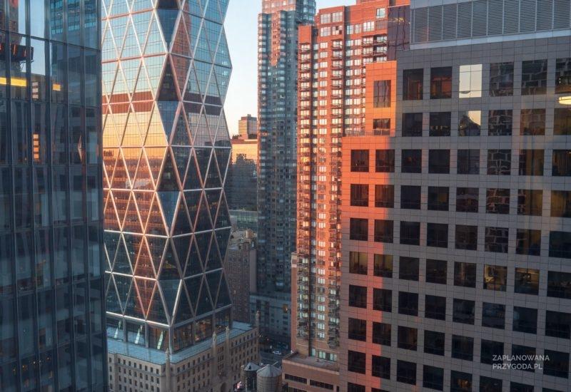 Zachód słońca z pokojowego hotelu na 33 piętrze